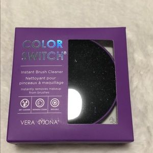 NWOT Color Switch Instant Brush Cleaner